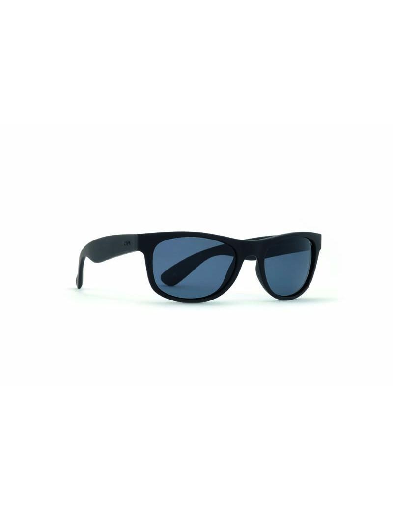 Occhiali da sole Invu. modello A2608A colore nero gommato