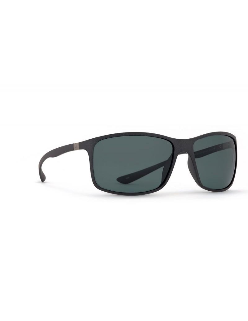 Occhiali da sole Invu. modello A2913A colore nero opaco